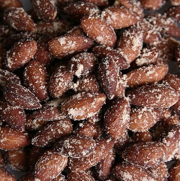 Deli-Vinos Snack Selection - Rauchmandeln ganz gesalzen - Premium